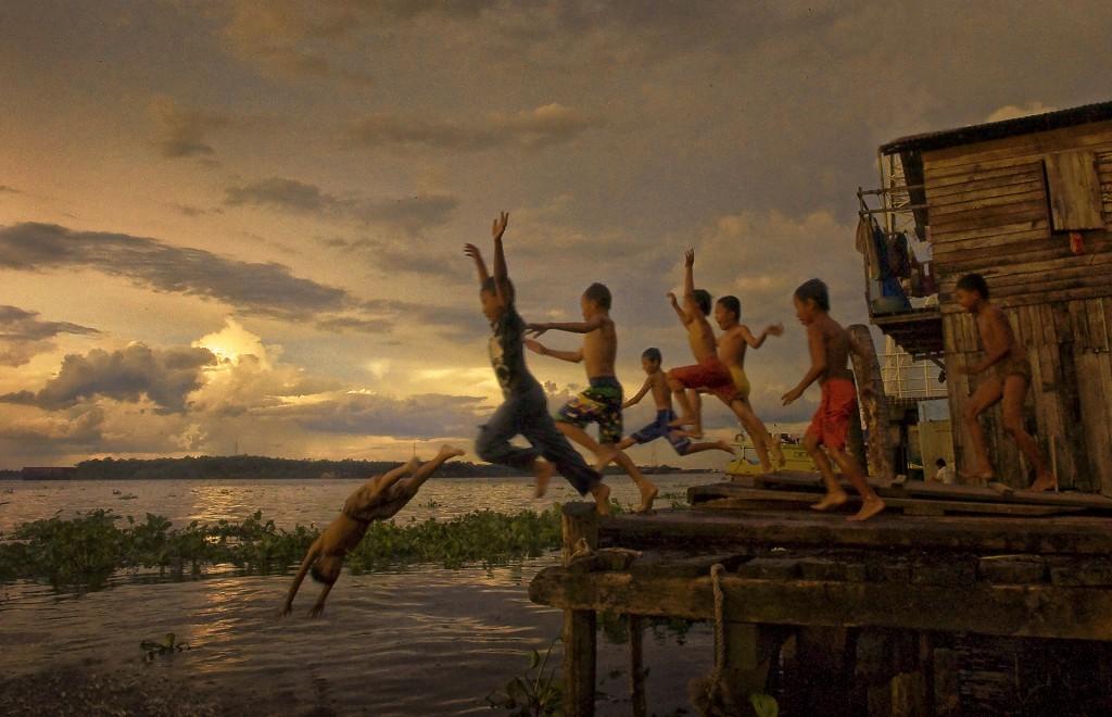World of The Jumper by Suhari Minggu Ningsih Soekandar - Downloaded from 500px